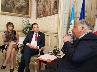 Christian Cambon - pésident de la République du Guatemala - Jimmy Morales